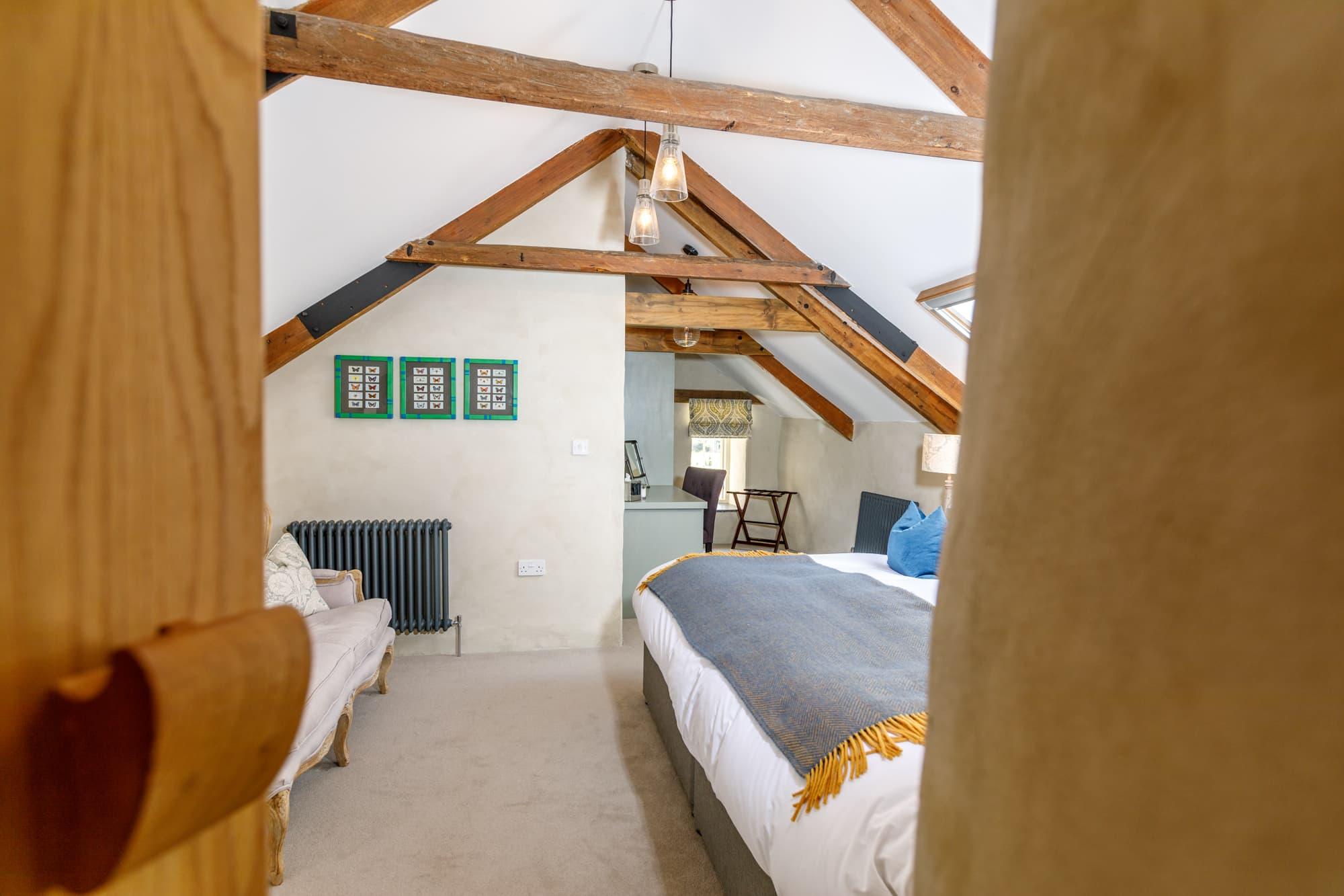 Finisterre - Bedroom Door-pichi