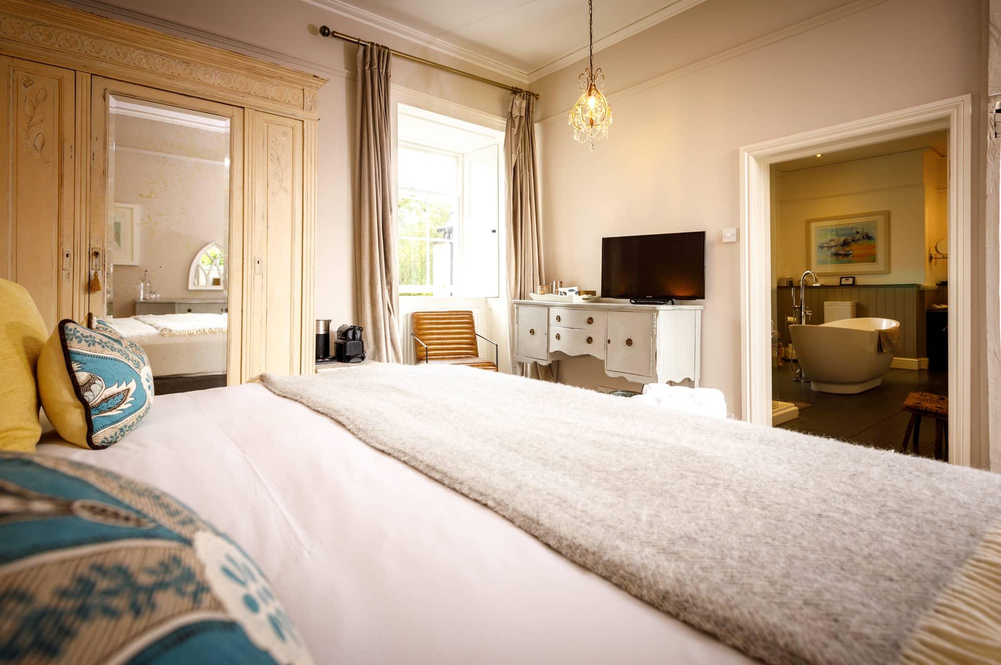 Porthilly - bedroom HERO-pichi