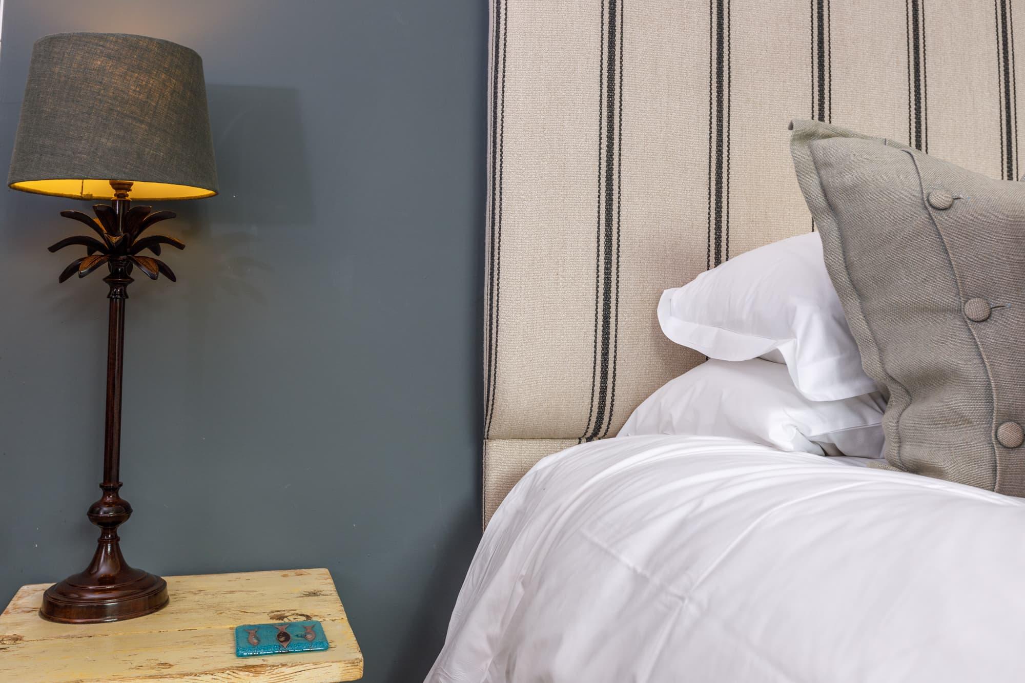 Trevone - Bedside table-pichi